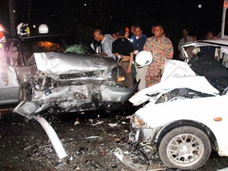 28/12/2008 - dua beradik maut kemalangan di Kilometer 21 Jalan Gua Musang-Kuala Krai dekat Gua Sejuk