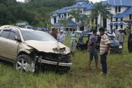 Nissan Mureno... 1 parah, 3 cedera ringan