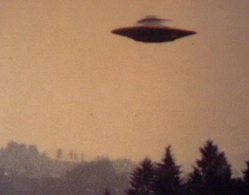UFO - gambar hiasan