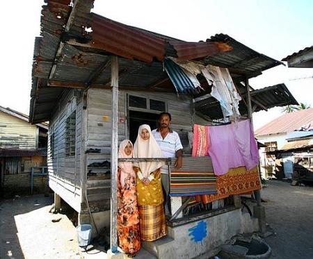 Nik Nur Madihah di rumahnya - Gambar Utusan Malaysia