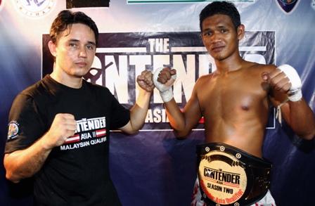 Bernard (kiri) dan Faizal