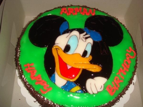 Kek Ben10 tak dapat, kek Donald Duck pun jadilah